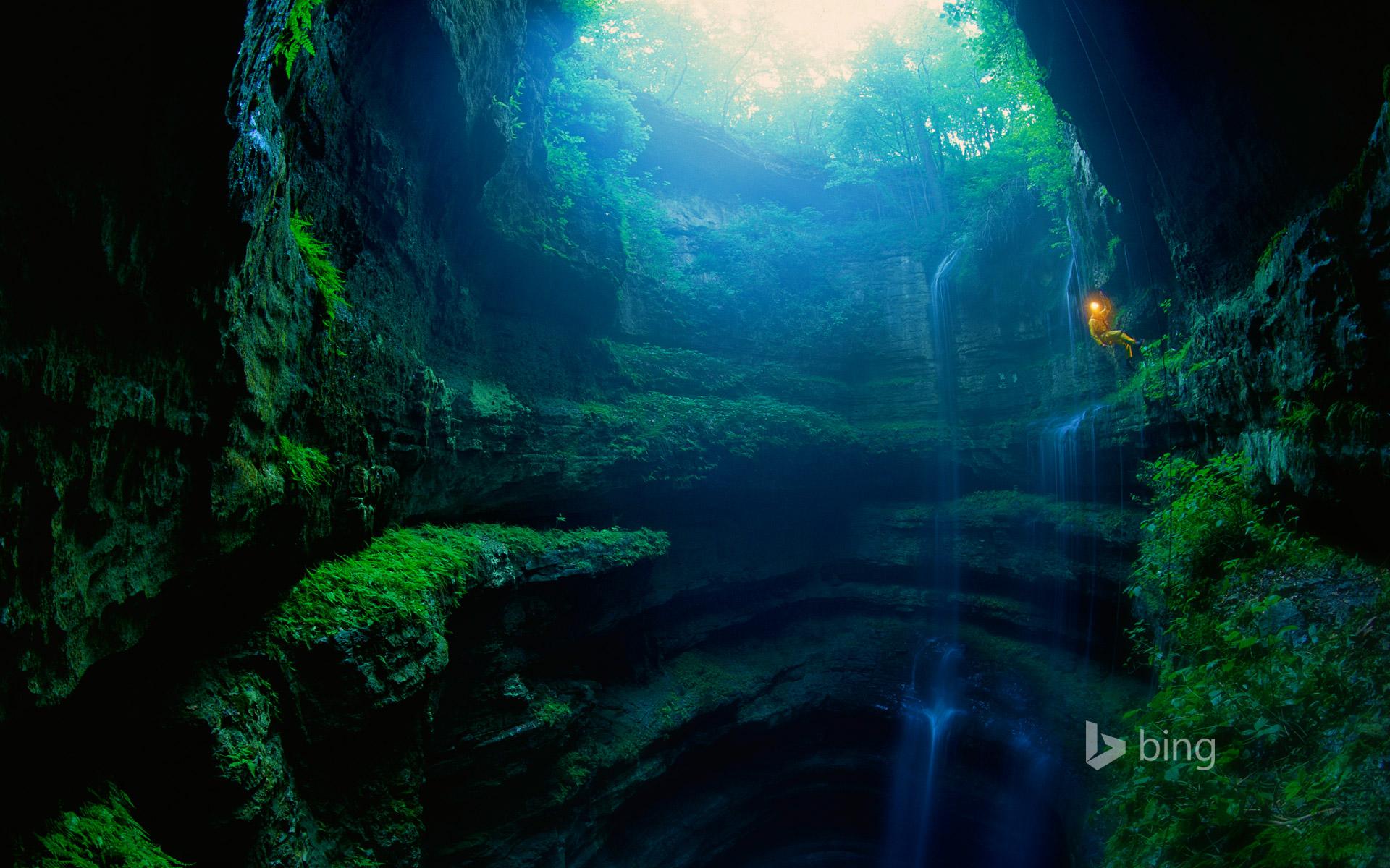 Hình nền Bing hang động kì bí