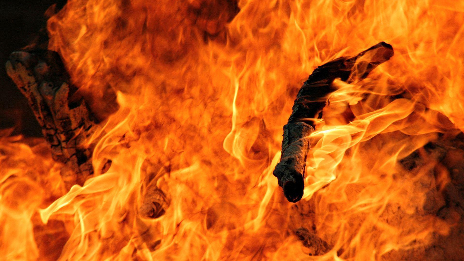 Hình nền lửa cực đẹp