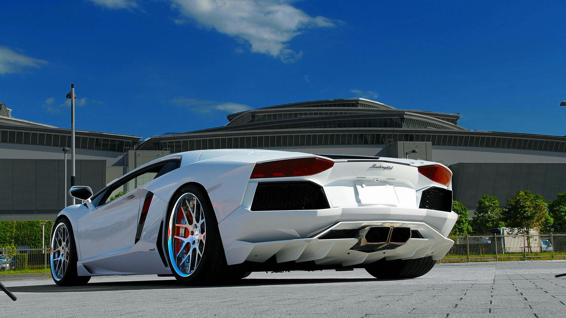 Hình nền siêu xe lamborghini màu trắng
