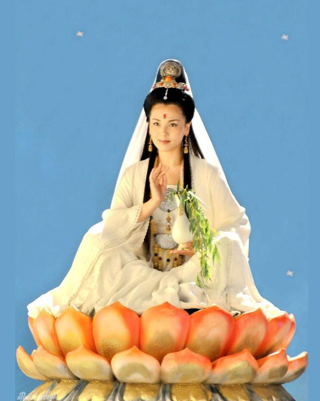 Hình ảnh Bồ Tát ngồi Đài Sen đẹp