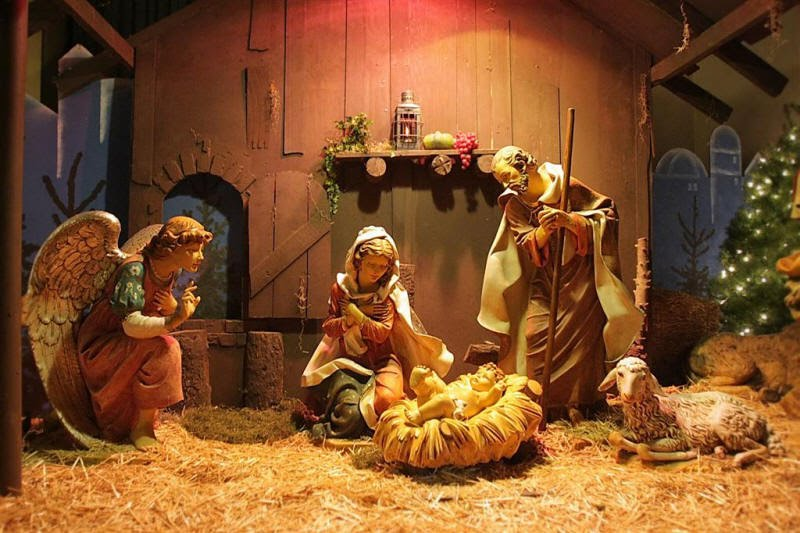 Hang đá ngày lễ giáng sinh