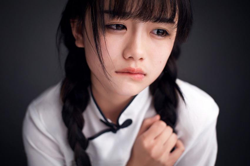 Hình ảnh hot girl Trung Quốc buồn và đáng yêu