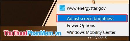 Chọn Adjust screen brightness