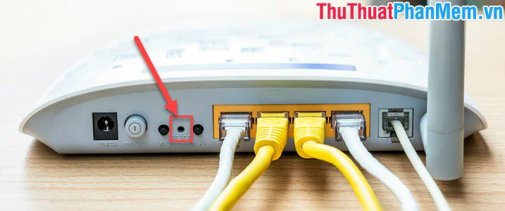 Restart lại thiết bị phát sóng Router