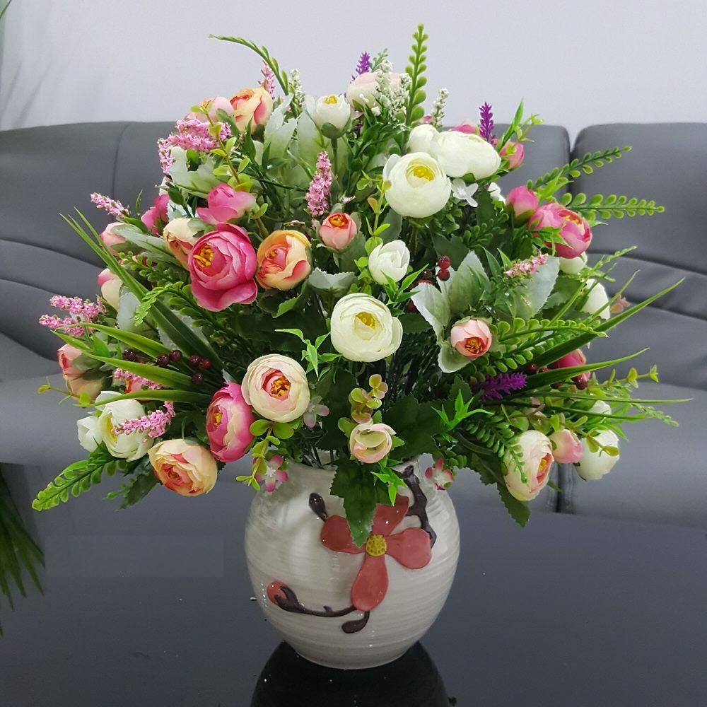 Hoa để bàn hội nghị