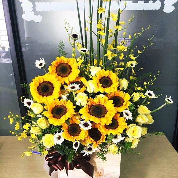 Lọ hoa để bàn sắc vàng đẹp