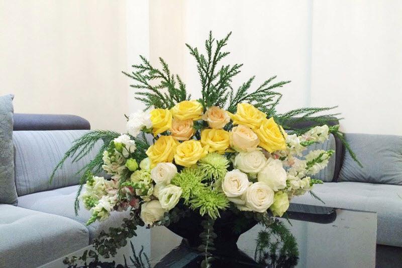 Mẫu cắm hoa để bàn cực đẹp