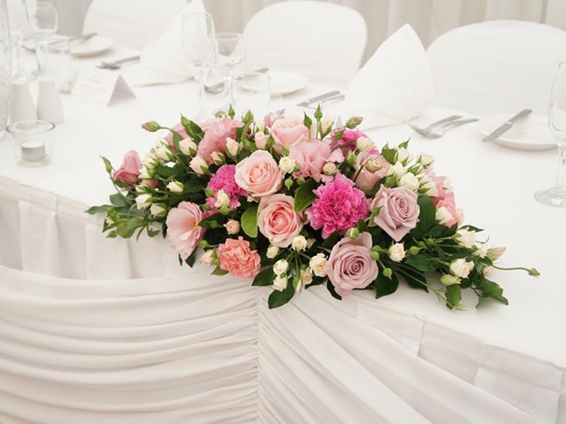 Mẫu hoa để bàn đám cưới