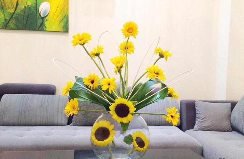 Mẫu hoa đơn giản đẹp để bàn