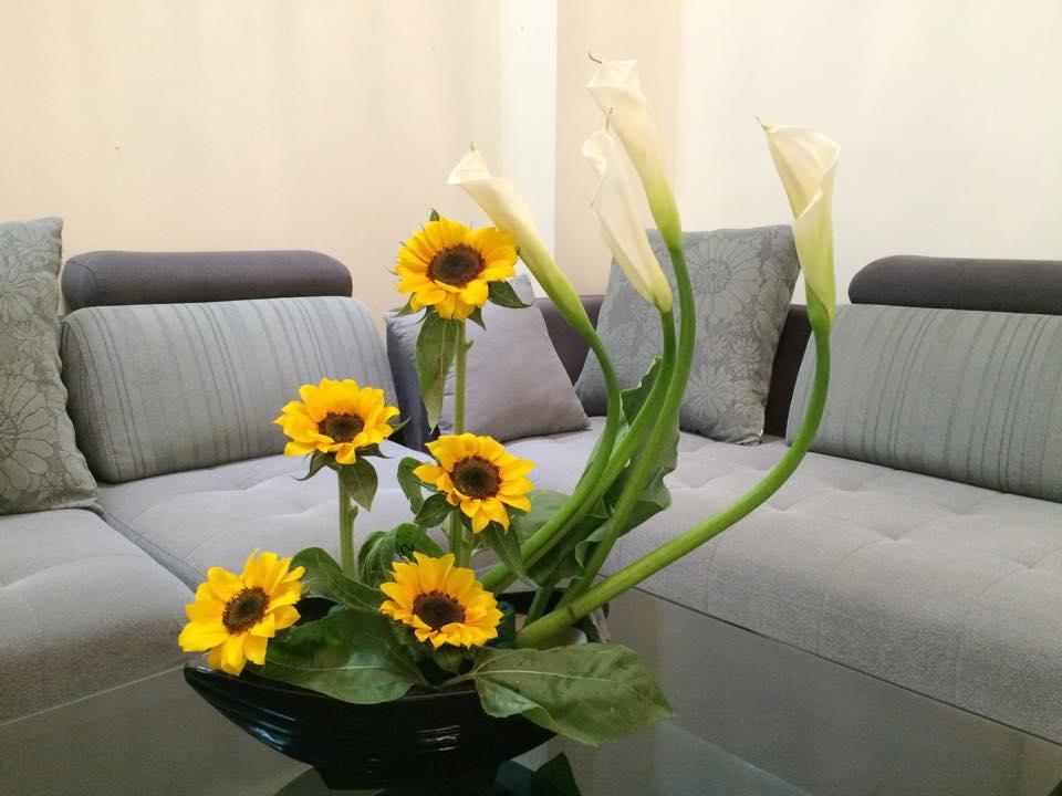 Mẫu hoa hướng dương để bàn phòng khách đẹp