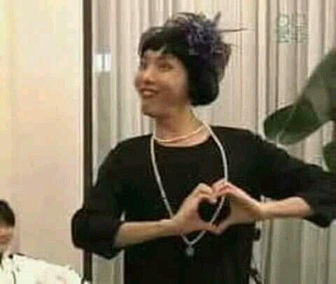 Ảnh dìm BTS hài hước thả tim thả heart