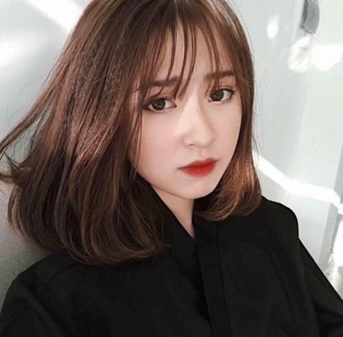 Hình ảnh con gái cắt tóc ngắn