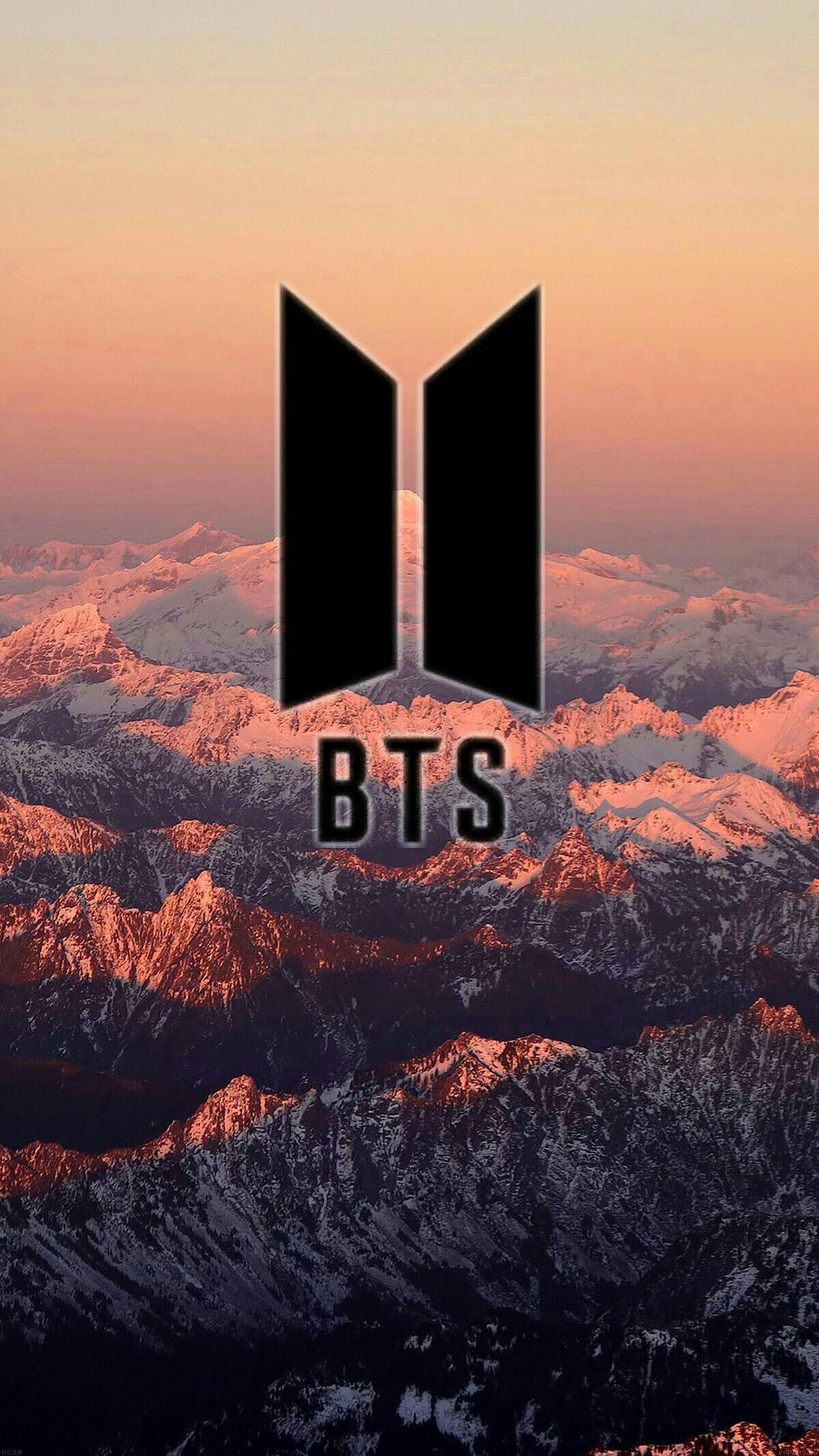Ảnh logo BTS nền núi non hùng vĩ