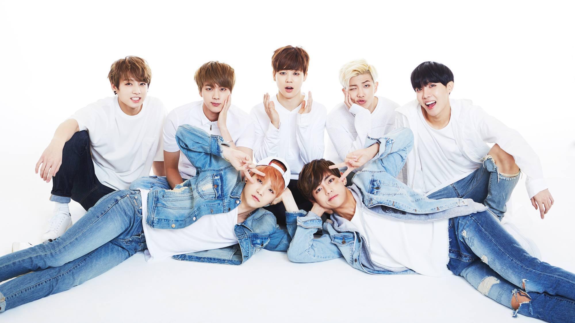 Ảnh nền BTS các thành viên với nền màu trắng