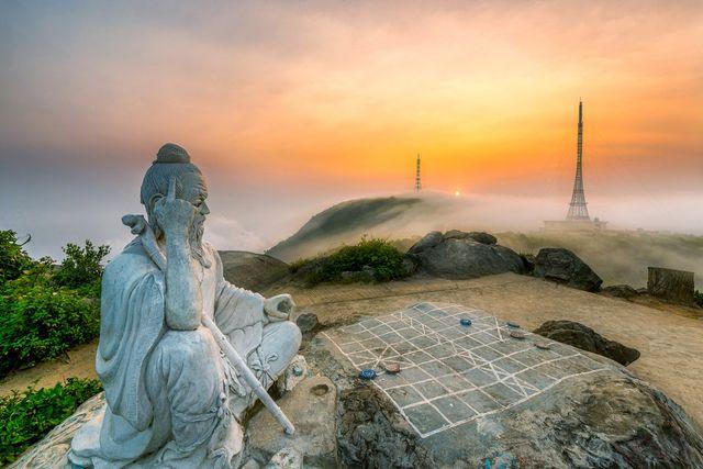 Hình ảnh đỉnh bản cờ ở Đà nẵng