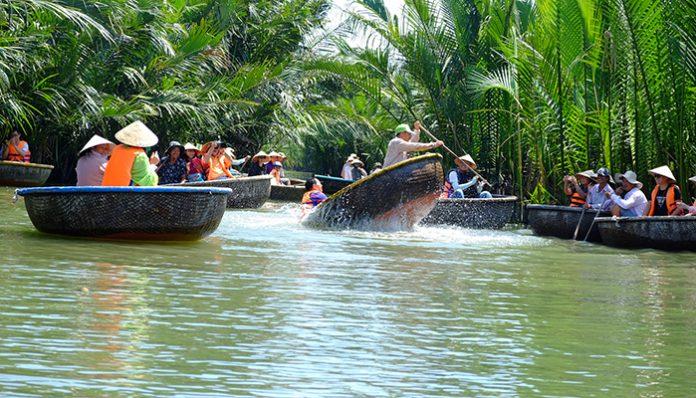 Hình ảnh rừng dừa Bảy mẫu ở Đà nẵng