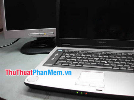 Kiểm tra màn hình Laptop