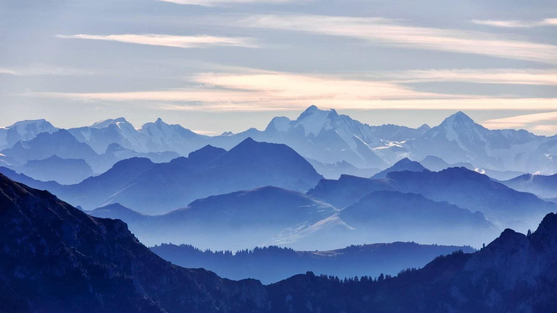 Background phong cảnh núi mây đẹp