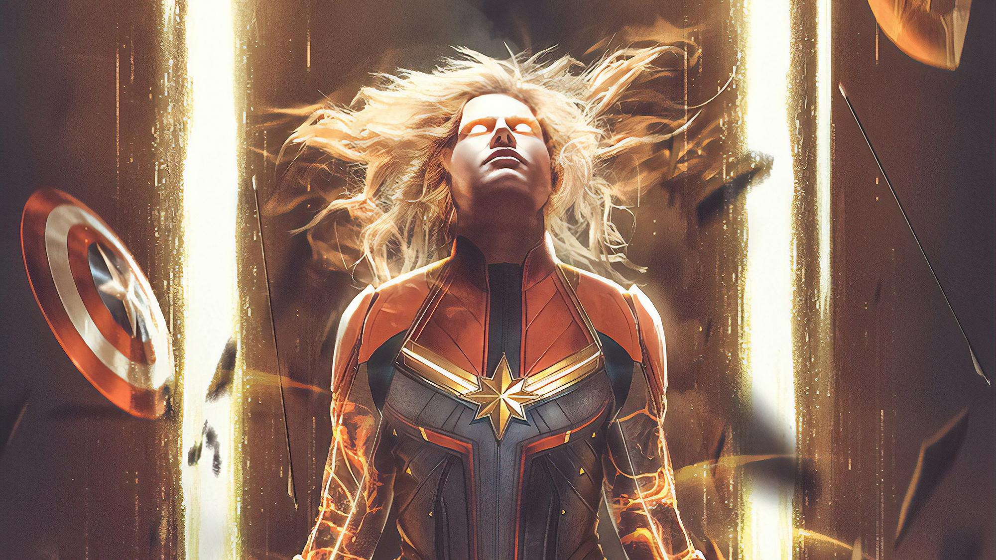 Ảnh Captain Marvel mạnh mẽ