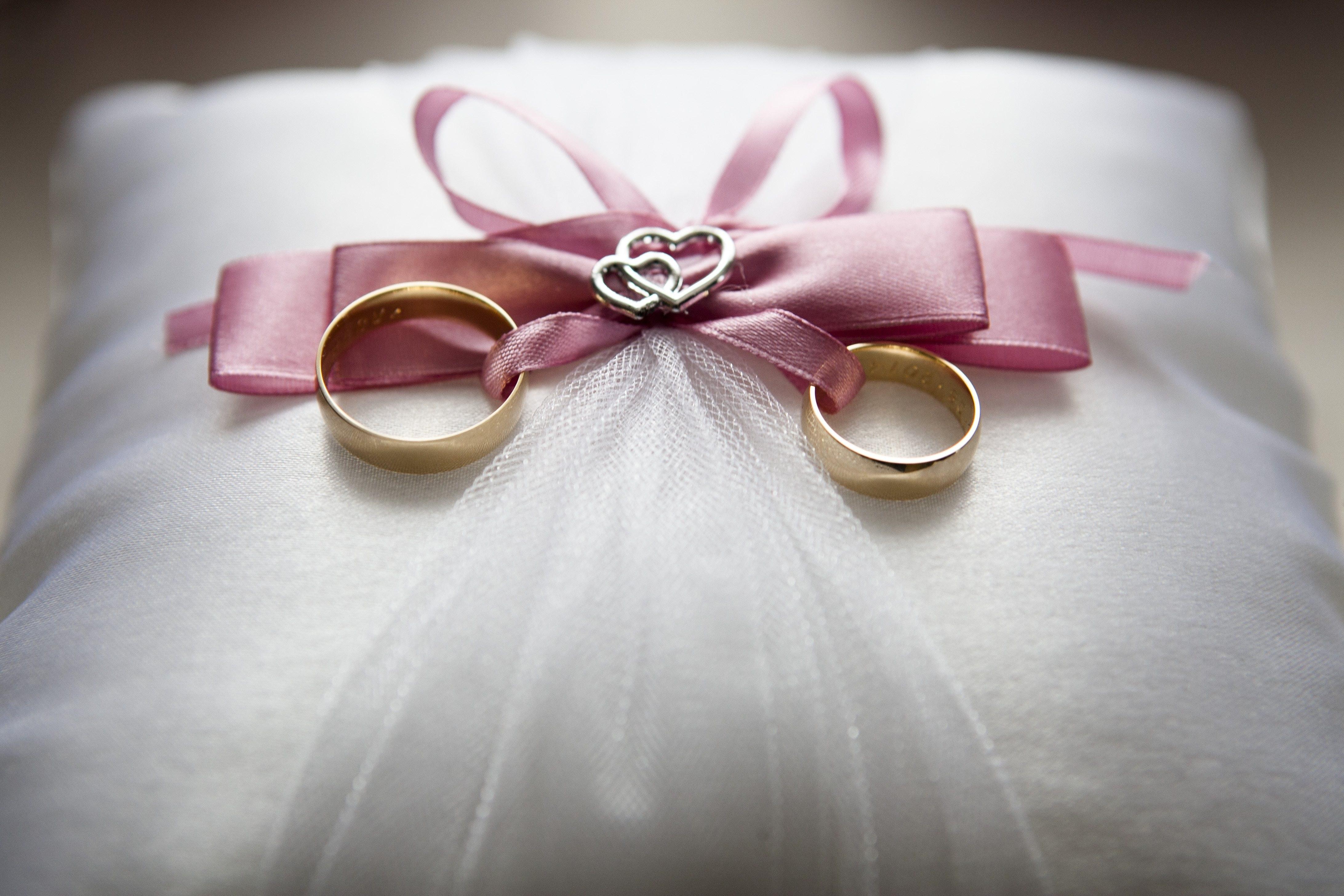 Background sang trọng ngày cưới