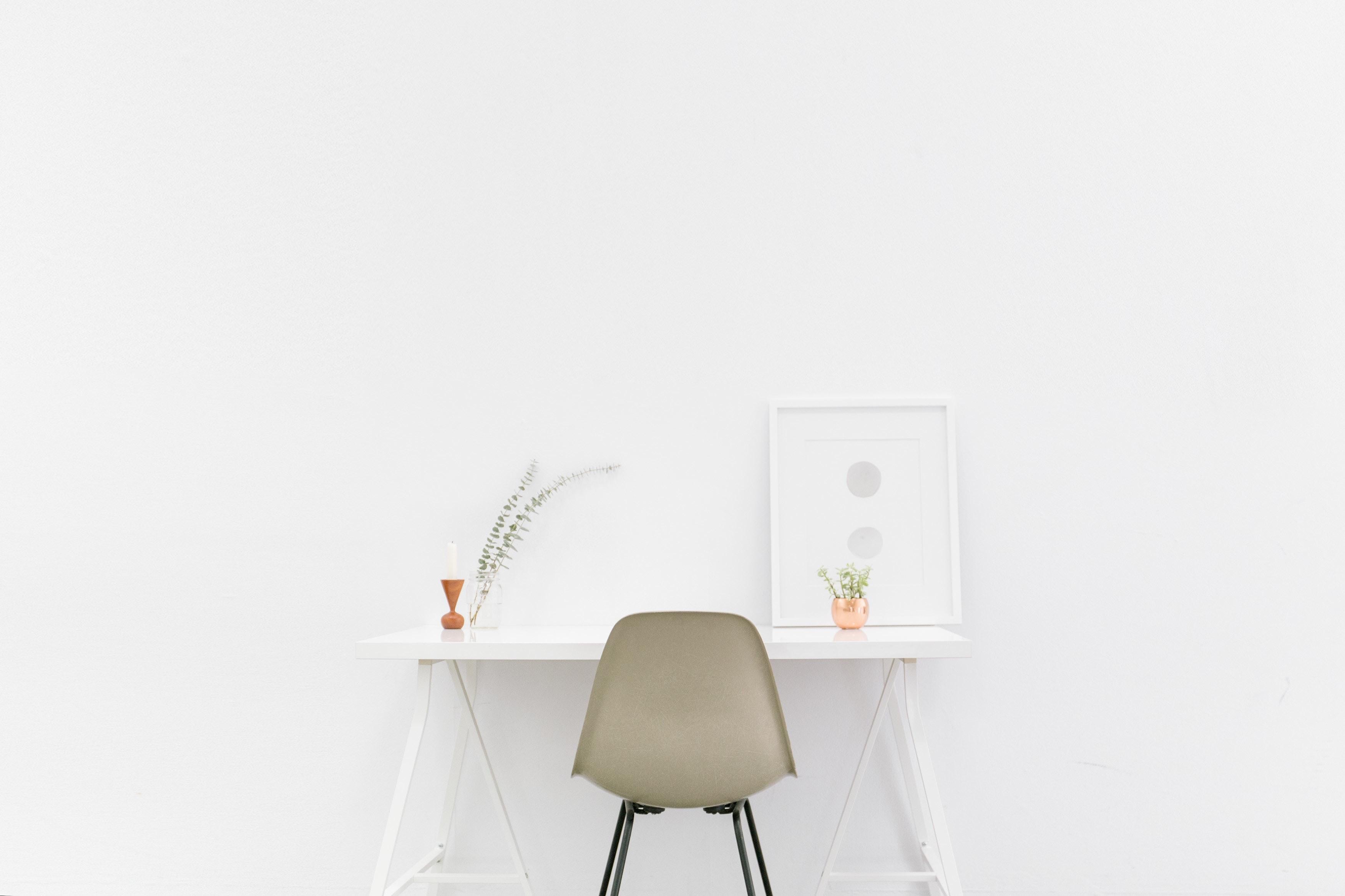 Background trắng đơn giản hiện đại