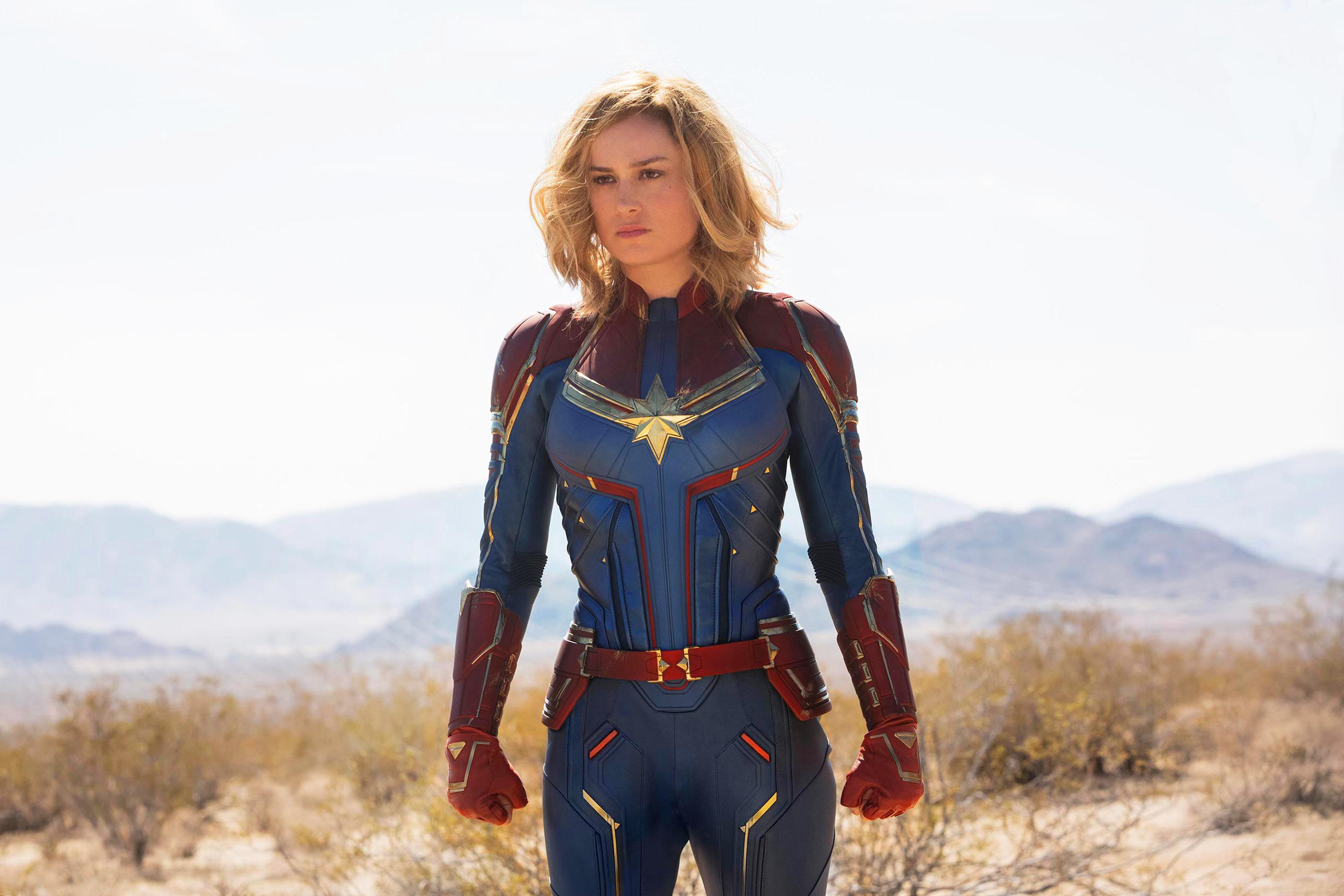 Hình Captain Marvel đẹp
