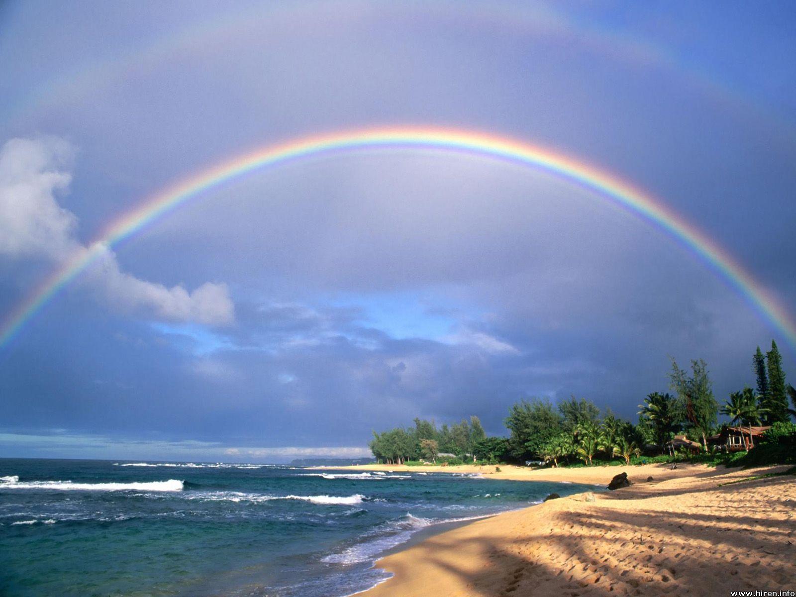 Hình ảnh cầu vồng trên bờ biển