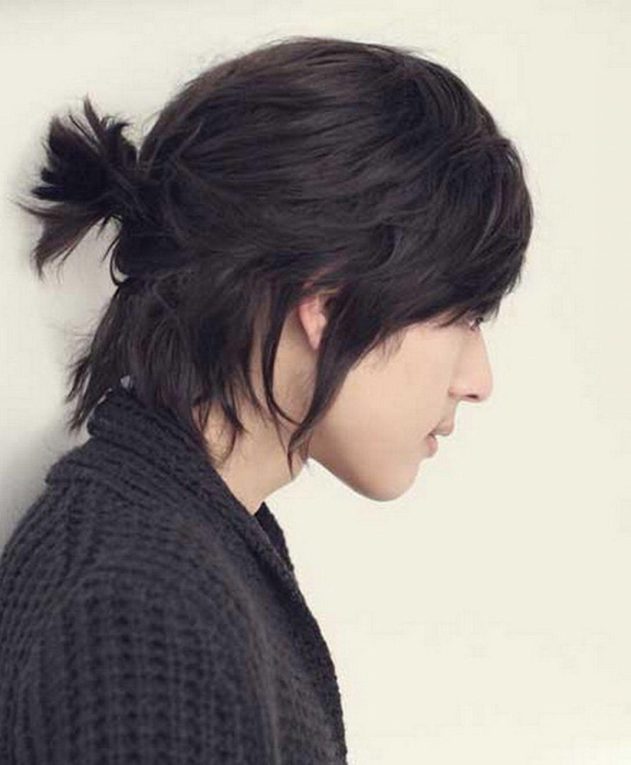 Kiểu tóc dài buộc túm nam Hàn Quốc