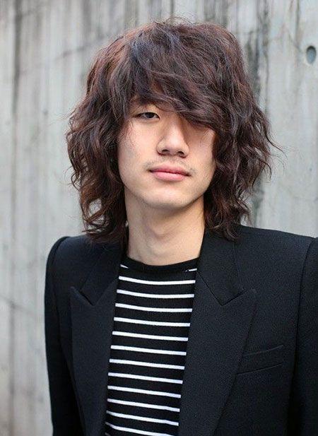 Kiểu tóc nam Hàn Quốc để dài làm xoăn