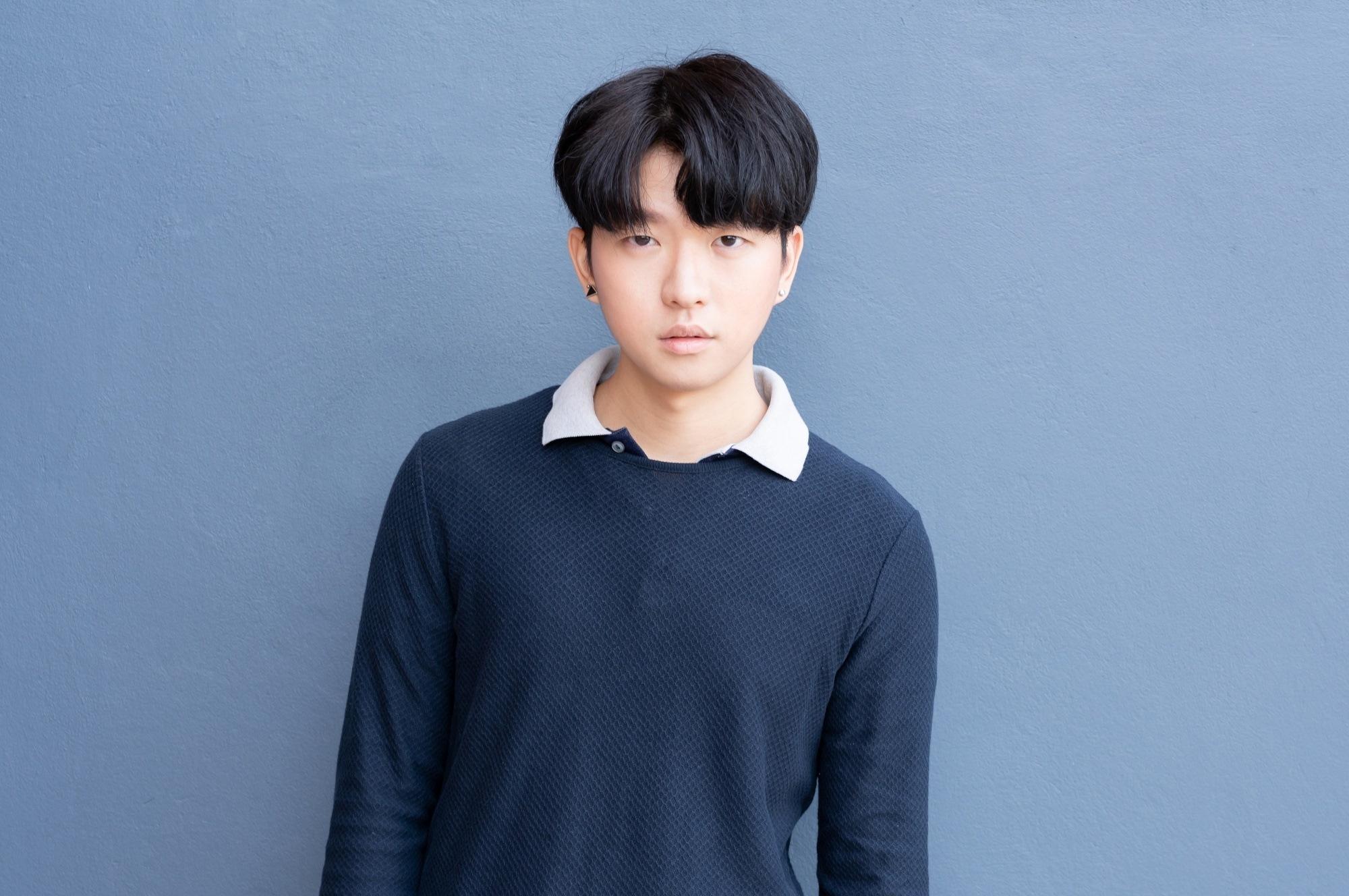 Kiểu tóc nam Hàn Quốc mái bổ lệch