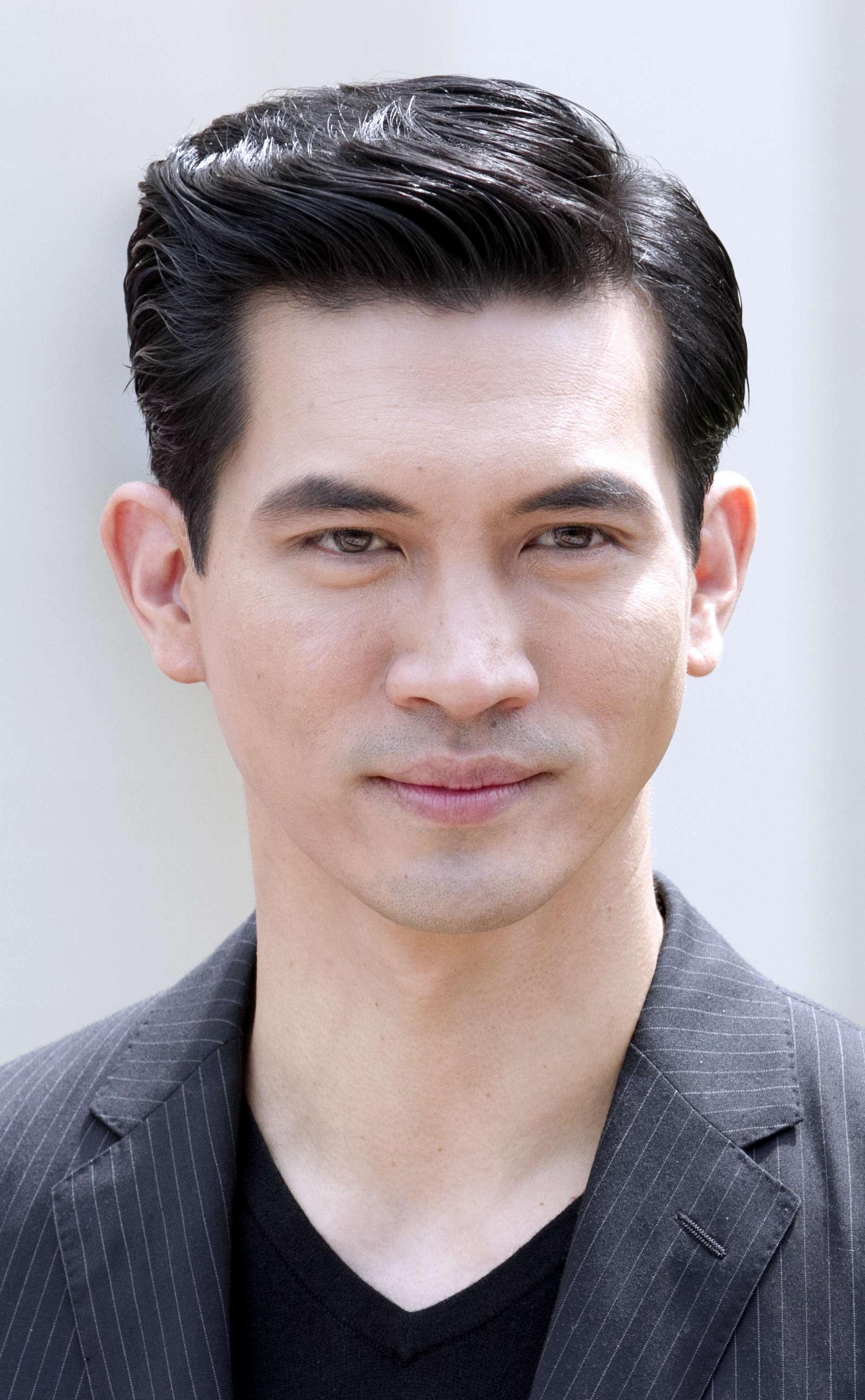 Kiểu tóc nam Hàn Quốc vuốt keo lịch thiệp