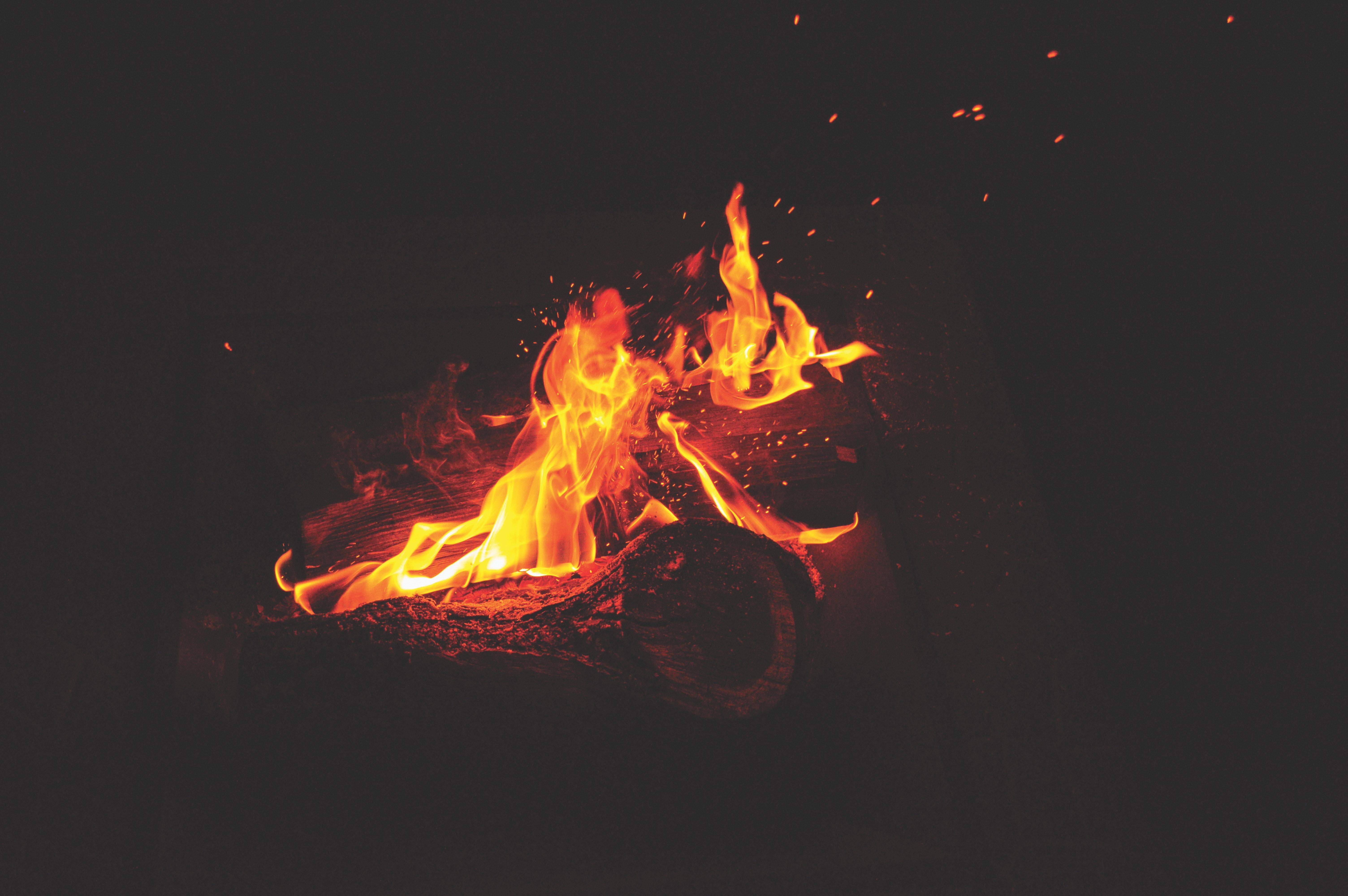Ảnh Background lửa buồn