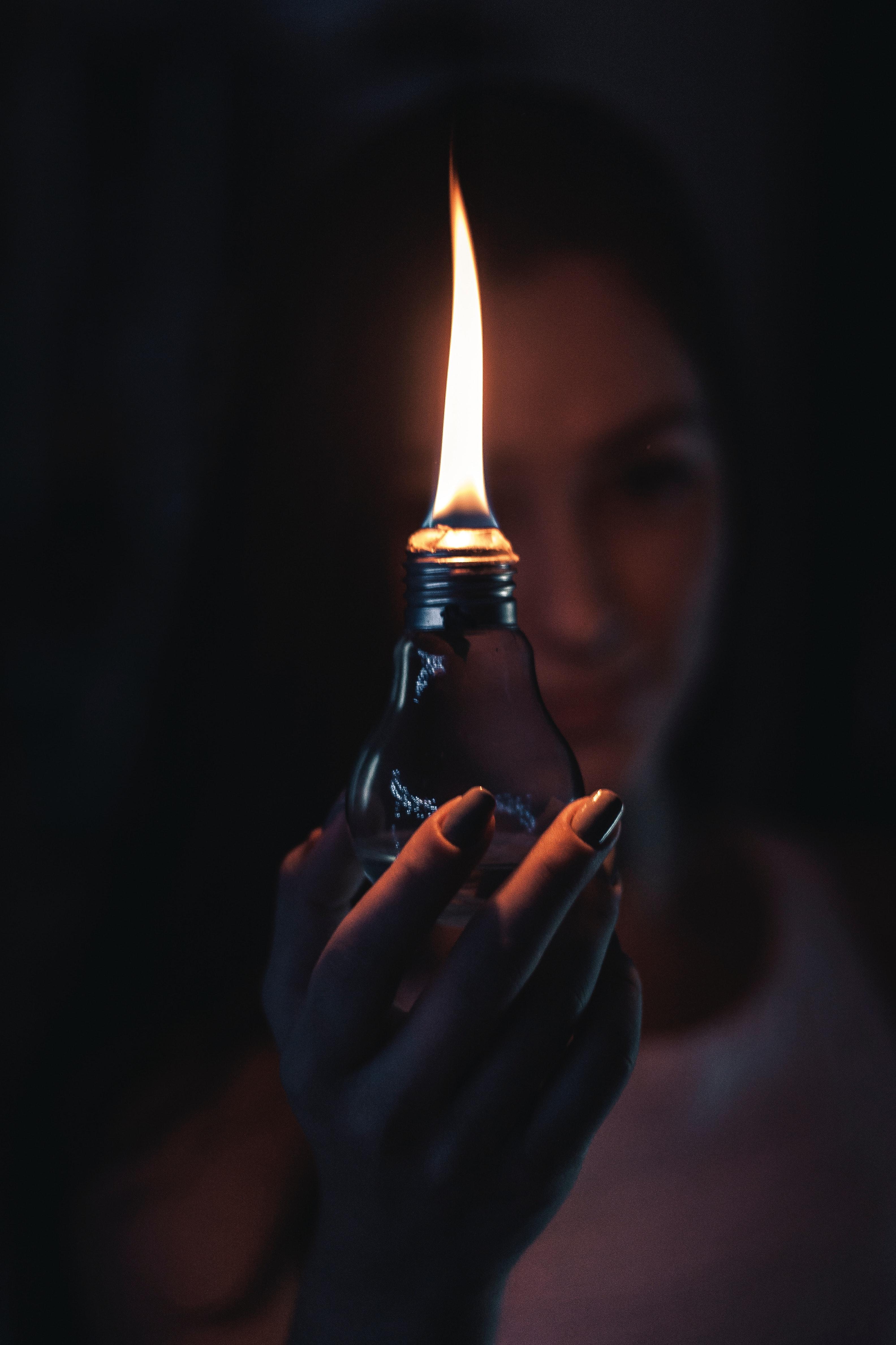 Background bóng đèn lửa