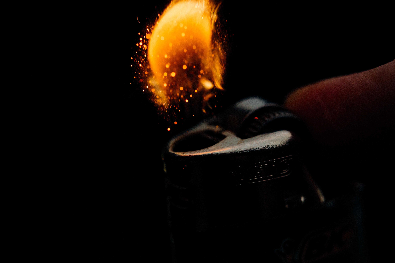 Background đánh lửa