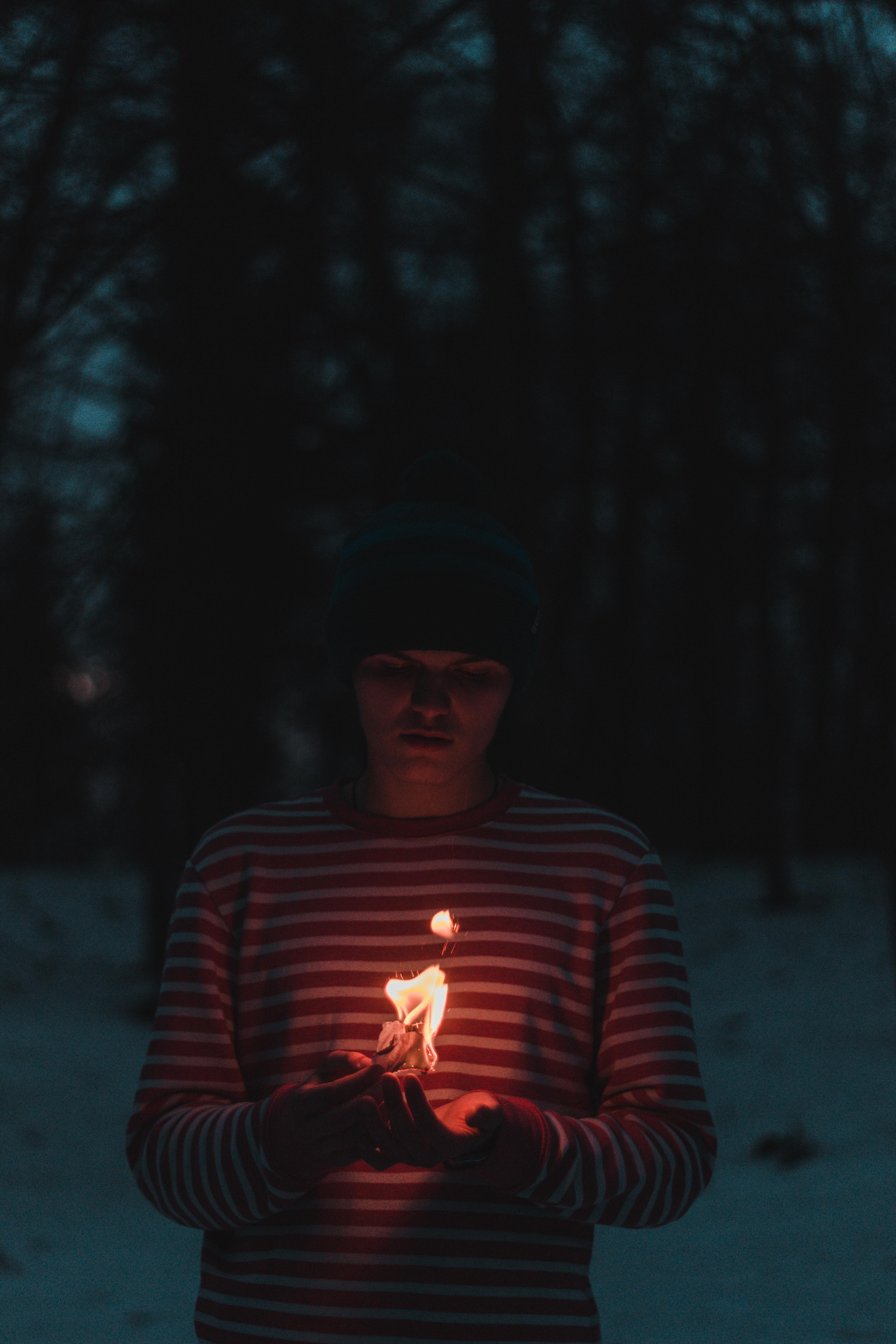 Background lửa buồn